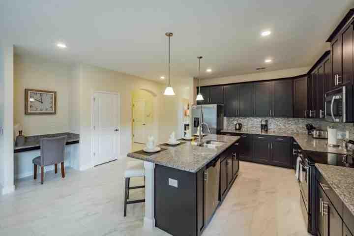 Cozinha Gourmet w Appliances & Desk Area / aço inoxidável
