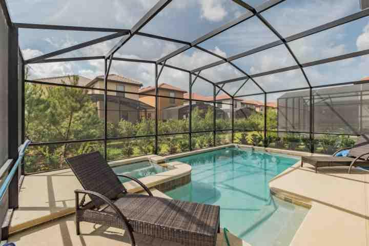 Este convidando Pool & Spa está esperando apenas para você!