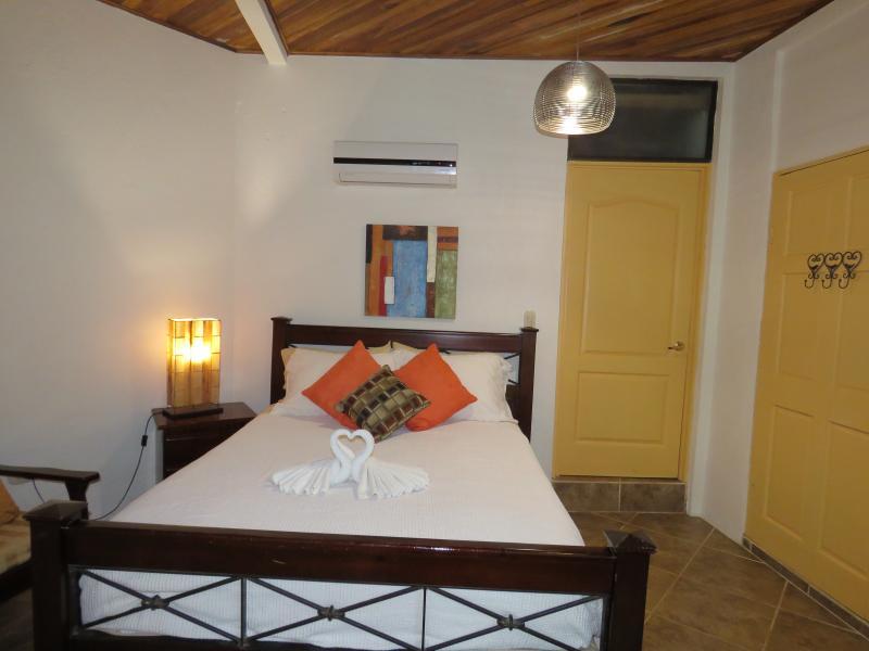 2nd bedroom in 2 bedroom Dos Palmas