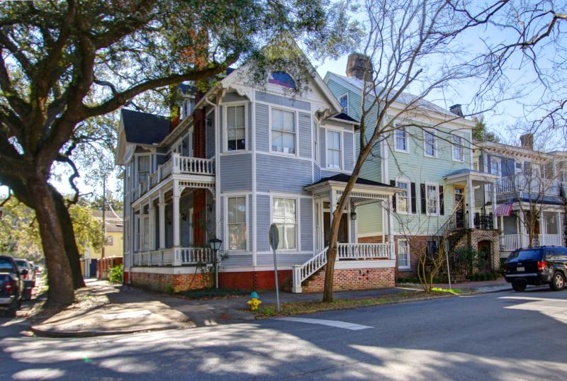 Walk to Forsyth Park, Wifi, and Family Friendly, vacation rental in Savannah