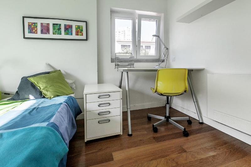 The Twin Bedroom 3