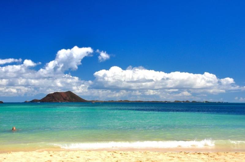 las preciosas vistas desde  las playas de Corralejo.