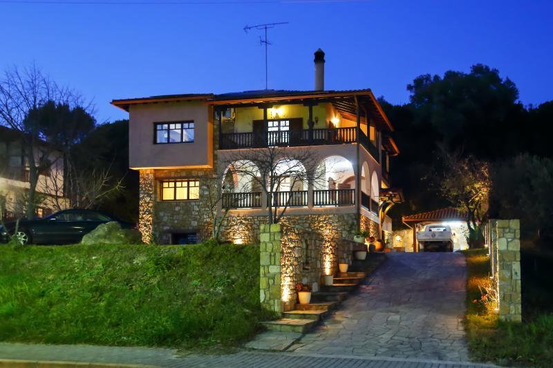 Vetrinos Luxury Apartments, holiday rental in Sithonia