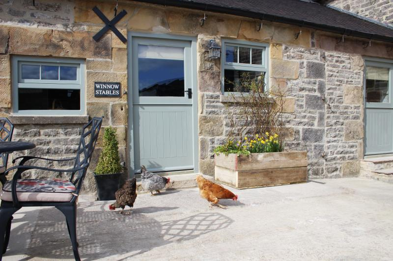 WINNOW STABLES - luxury barn - Dovedale - Peak District - sleeps 4, holiday rental in Thorpe