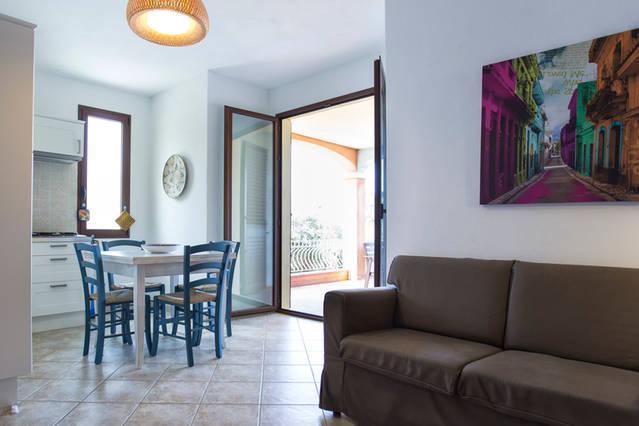 bellissima vista sul mare Sardegna - Valledoria, vacation rental in Valledoria