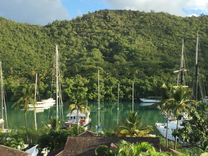Luxury Apartment at Capella Marigot Bay, location de vacances à Baie de Marigot