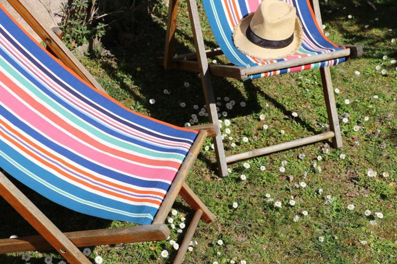 Profitez du soleil dans le jardin