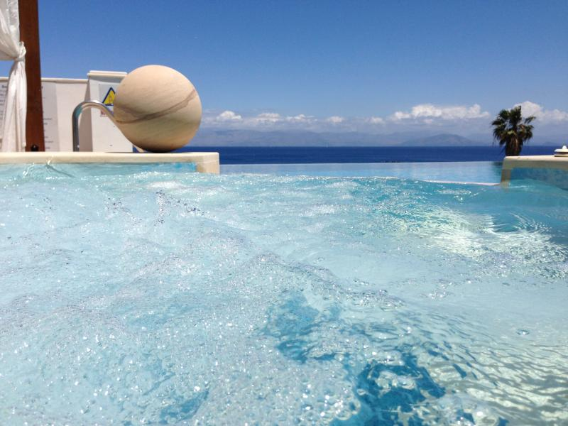 Ionian Pearl A Luxury, Modern Villa, vacation rental in Messonghi