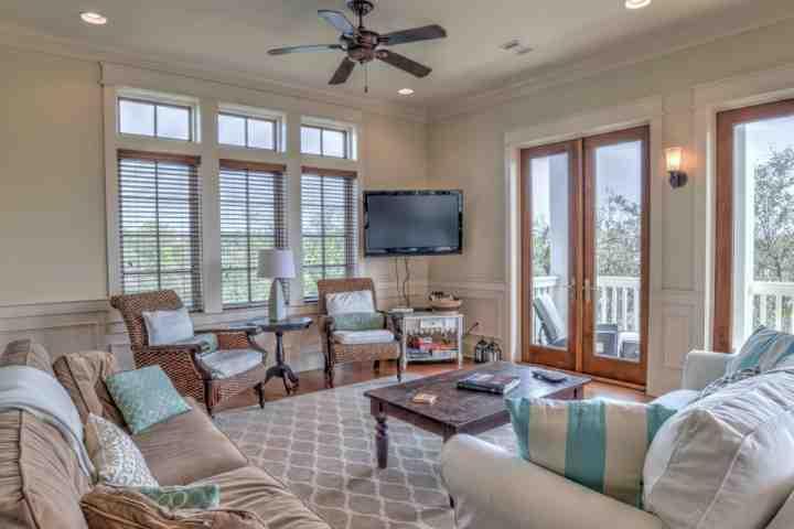 Willkommen bei Joie De Vivre! Eineine schönen 4 Schlafzimmer, 4.5 Bad Haus in wunderbar Seagrove Beach!