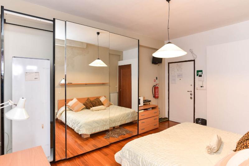 Attichetto met eigen ingang, een eigen badkamer en een eigen terras: een warme en romantische nest.