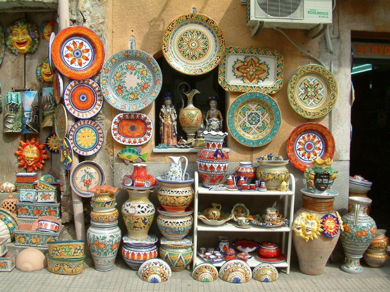 ceramics of Santo Stefano di Camastra