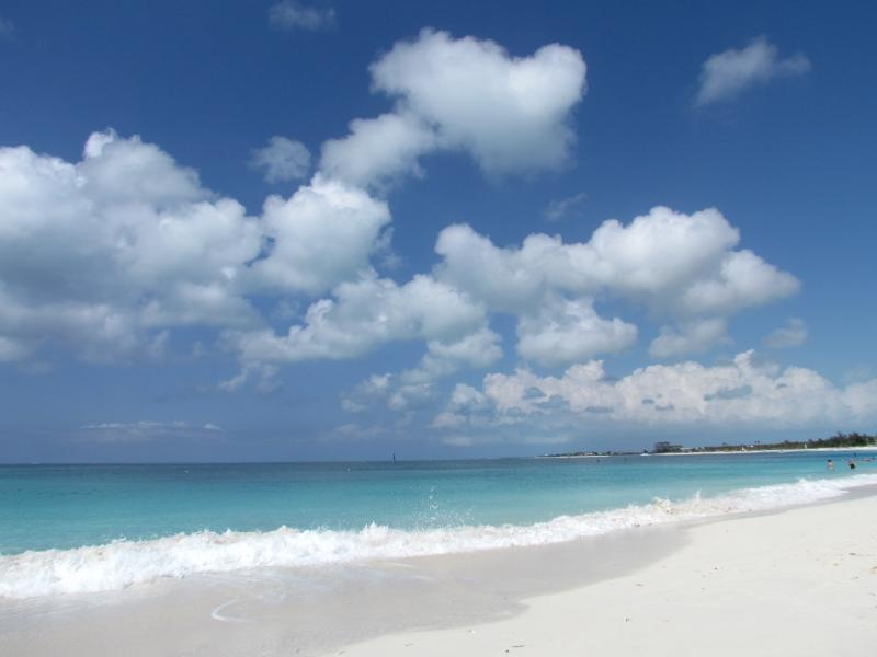Unspoiled, award winning Grace Bay Beach just 0.4 km away