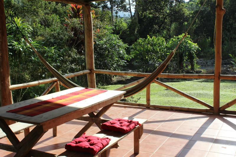 Experience abundant tropical nature; 25 acres, vacation rental in Province of Cartago