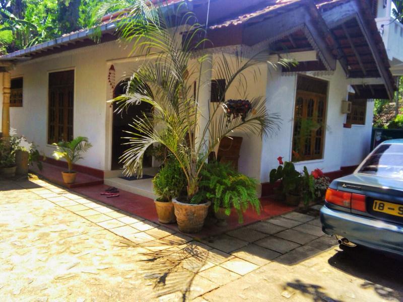 Tanudja House, holiday rental in Baddegama