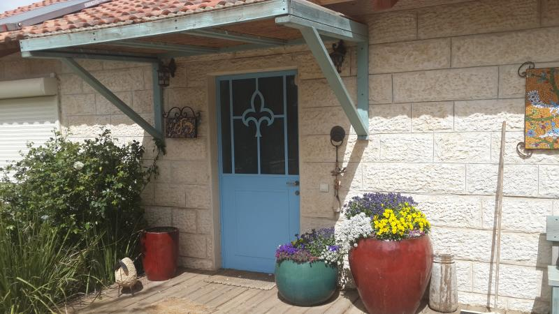 The Walnut House, holiday rental in Kefar Uriyya
