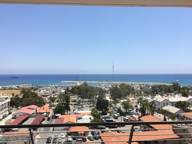 Wonderful Seaview Apartment (706) – semesterbostad i Livadia