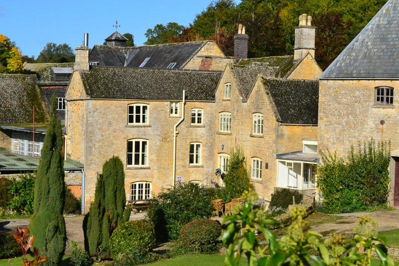 Old Brewery House is in the wonderful, picturesque Cotswold village of Upper Swell.