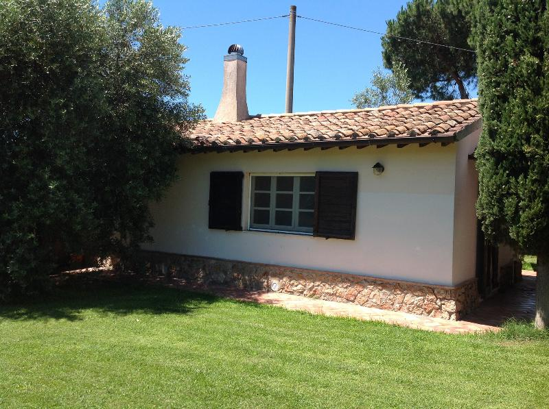 Charming country cottage near the sea, holiday rental in Giannella