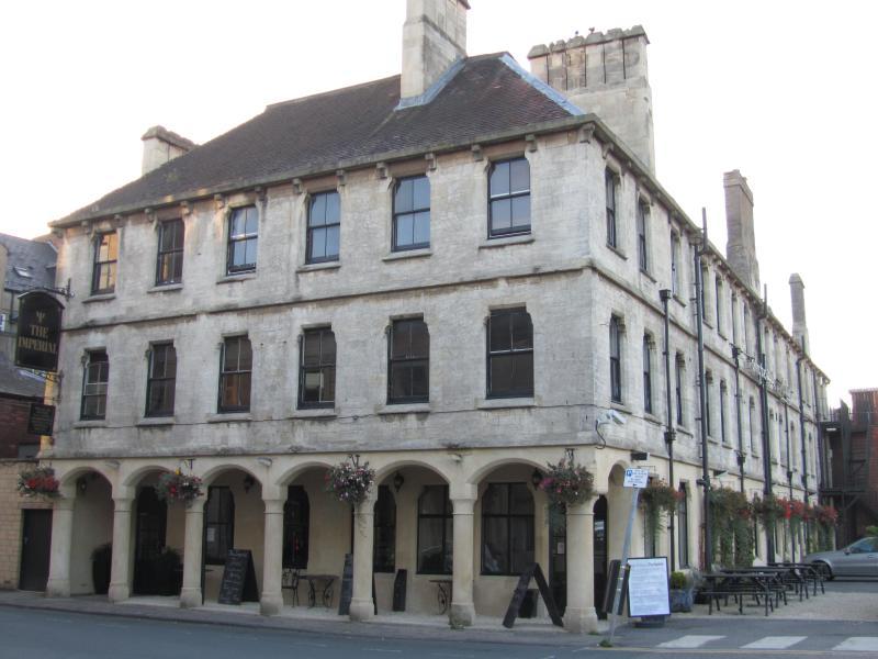 Central 3 bedrooms apartment, Stroud, location de vacances à Bisley