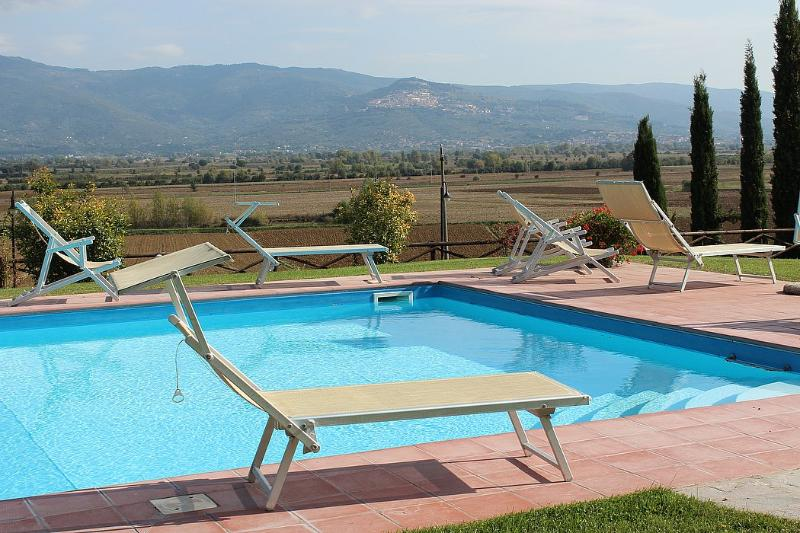 Cortona Villa Sleeps 4 with Pool Air Con and WiFi - 5229596, holiday rental in Fratticciola