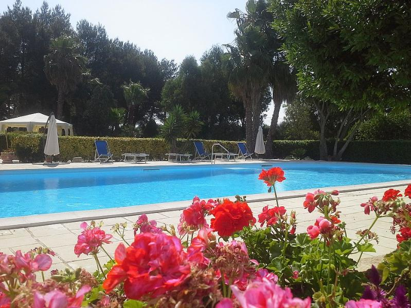 Sant'Agata Villa Sleeps 4 with Pool and Air Con - 5229605, location de vacances à Sannicola