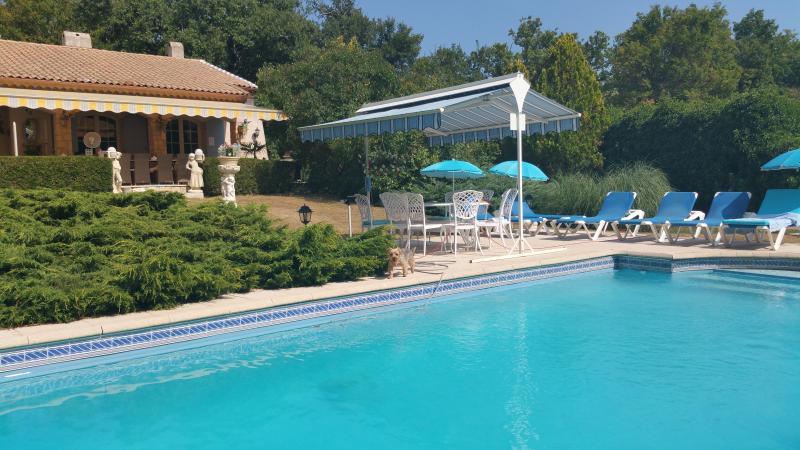 piscine chauffée et sécurisée