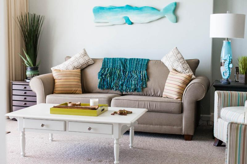 Queen sofa sleeper, game table and great space - ready for fun!
