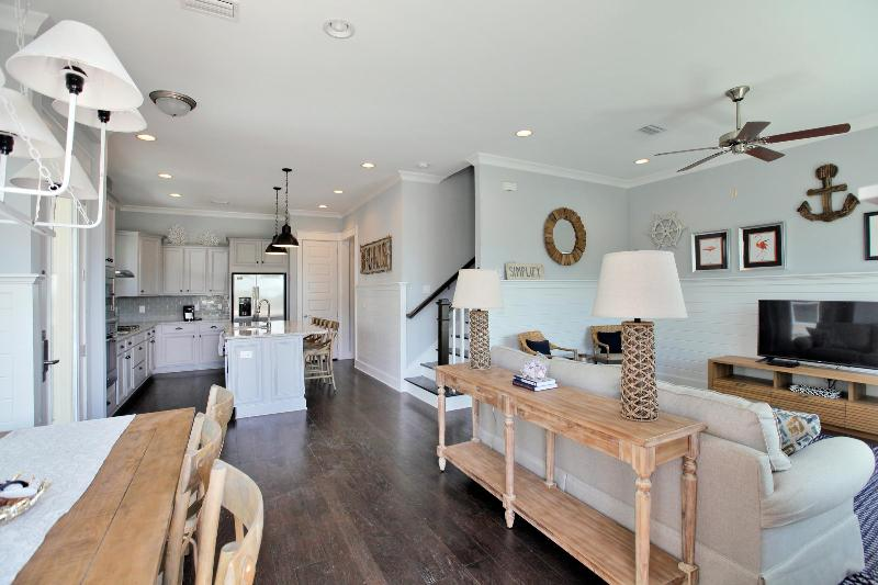 Prominence Townhome - 'Deer Rose-Sea' Entrance View