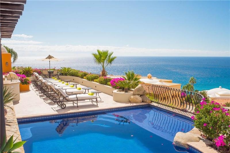 Luxurious Ocean Views with High Quality Amenities at Villa las Flores!, location de vacances à Cabo San Lucas