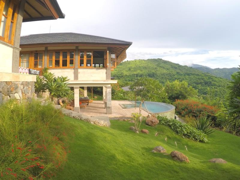 Villa Gajah with mountain view