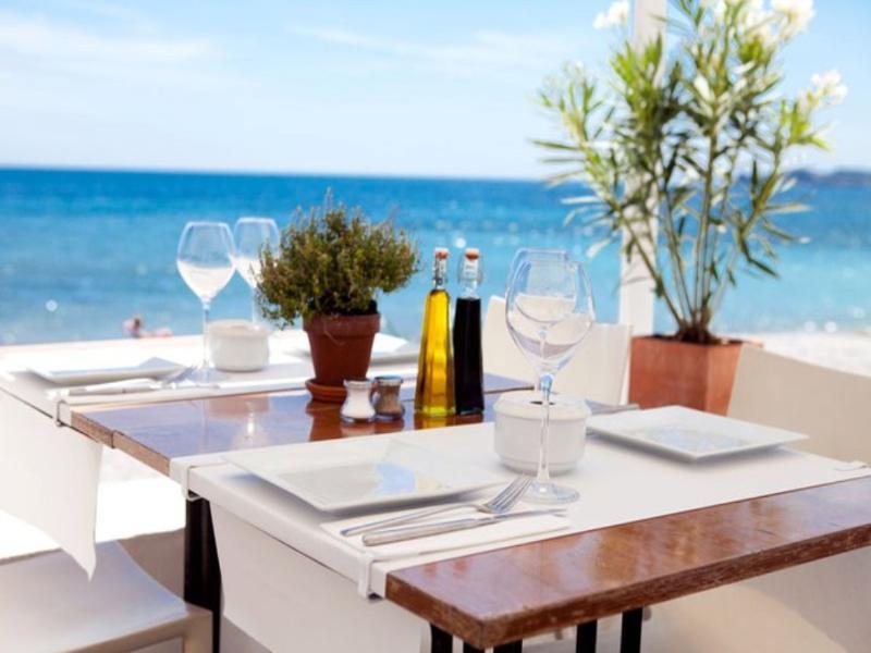 Javea | romantic wining / dining at the beach