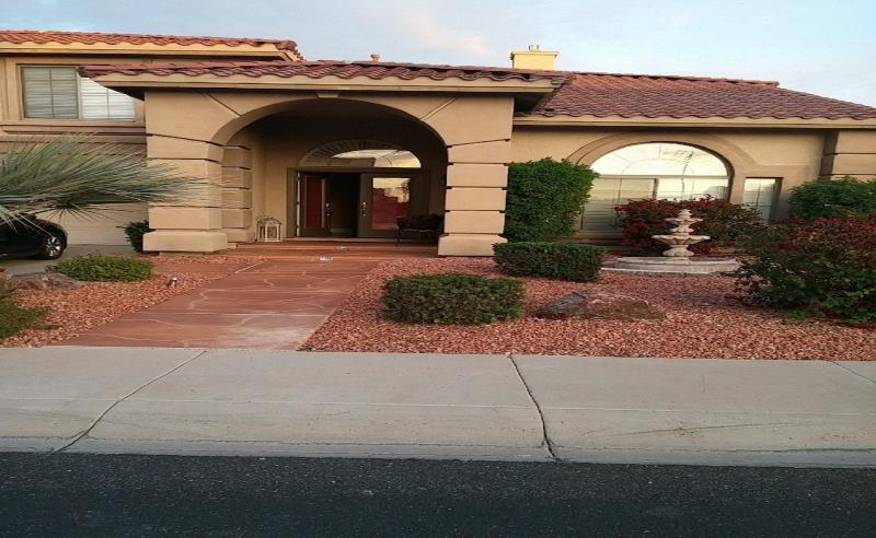 DREAMING SUMMIT LUXURY 5 BEDROOM FAMILY HOUSE, vacation rental in Litchfield Park