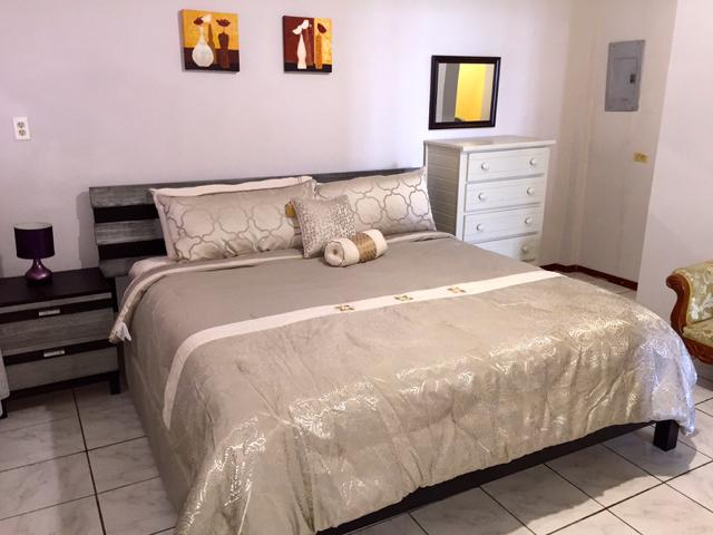 Comfortable & Spacious KING-SIZE Bed!