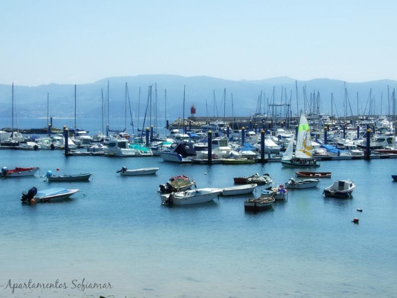 Puerto de Sanxenxo desde la playa Panadeira