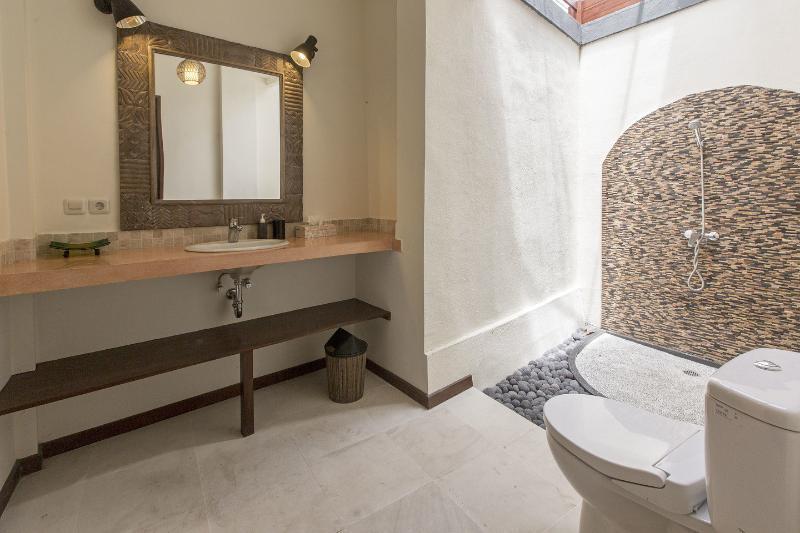 Bathroom Bedroom 4