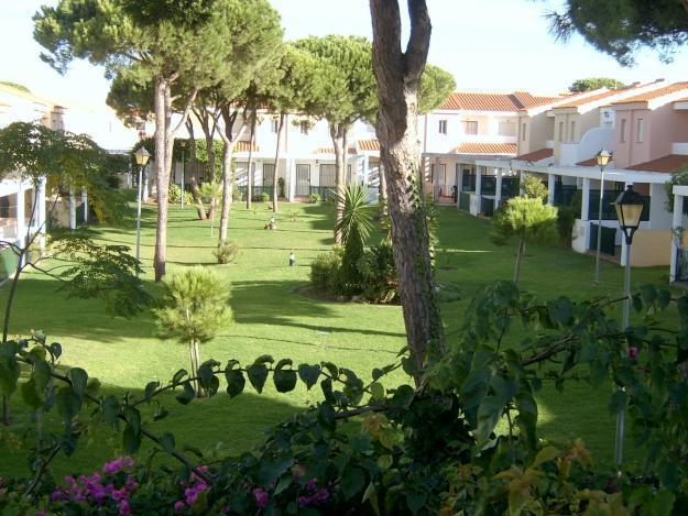 Apartmento Urbanizacion La Balconera (La Barrosa, 1a línea de playa), holiday rental in Chiclana de la Frontera