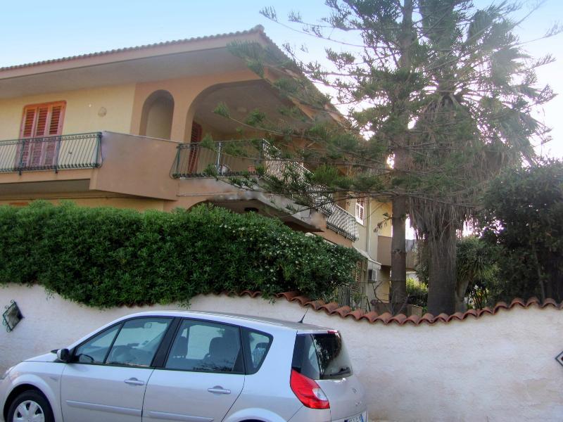 Angolo prospetto con veranda
