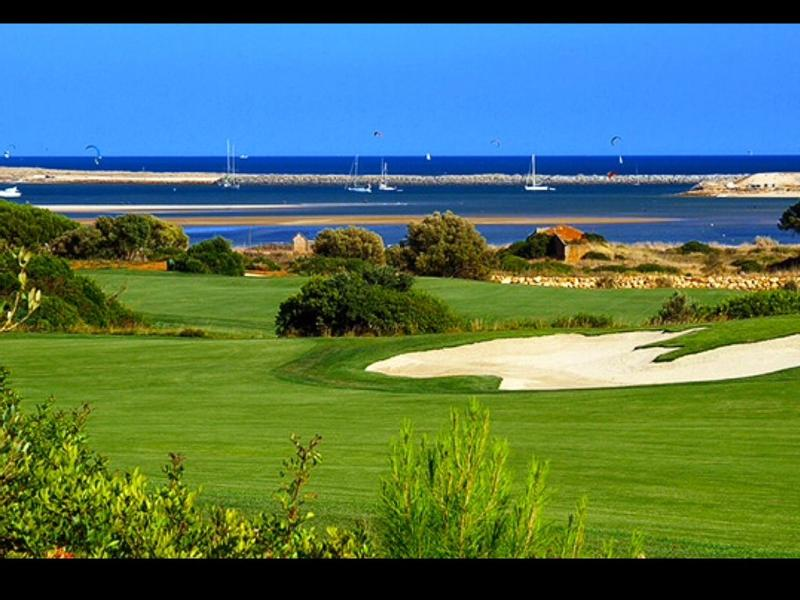 L 'Algarve considéré comme l'une des meilleures destinations de golf au monde.