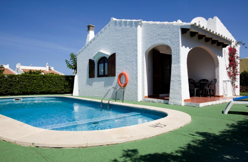 Nachetes 2 -Típico chalet menorquin cerca del mar, location de vacances à Cala Blanca