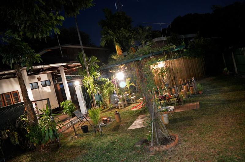 Near Train Guesthouse, vacation rental in Ubon Ratchathani