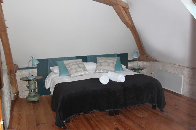 chambre aquarelle - la chambre vintage, vacation rental in Saint-Epain