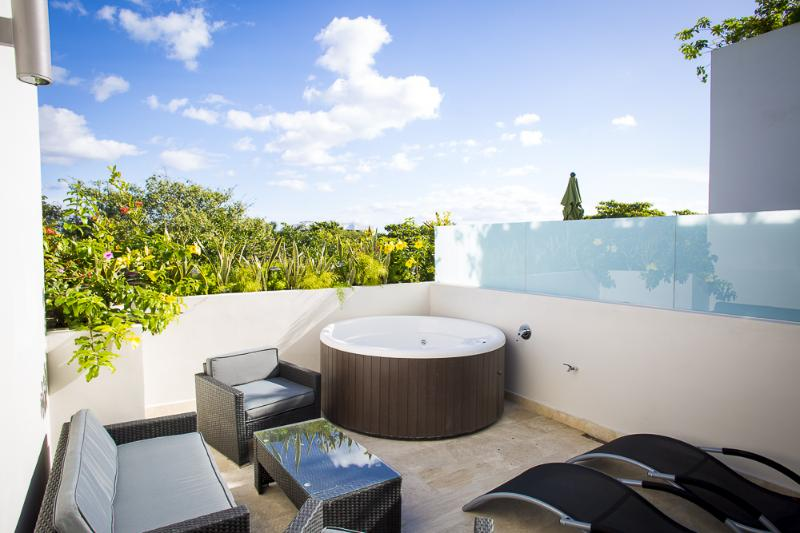 private terrace with jacuzzi