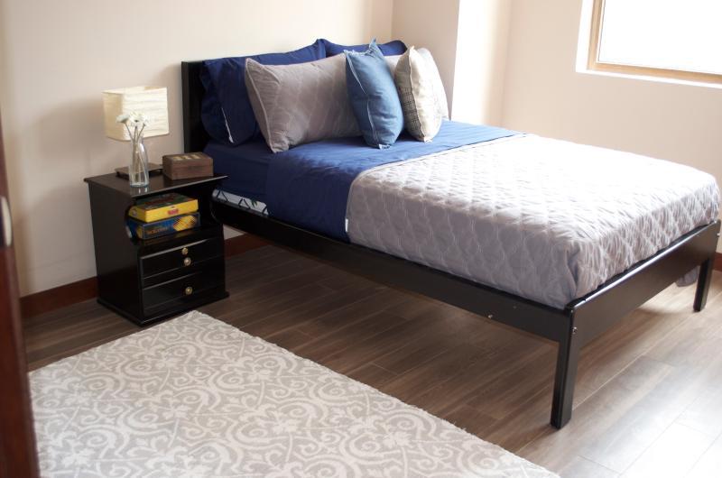 gorgeous guest bedroom 2. segundo hermoso dormitorio de visitas