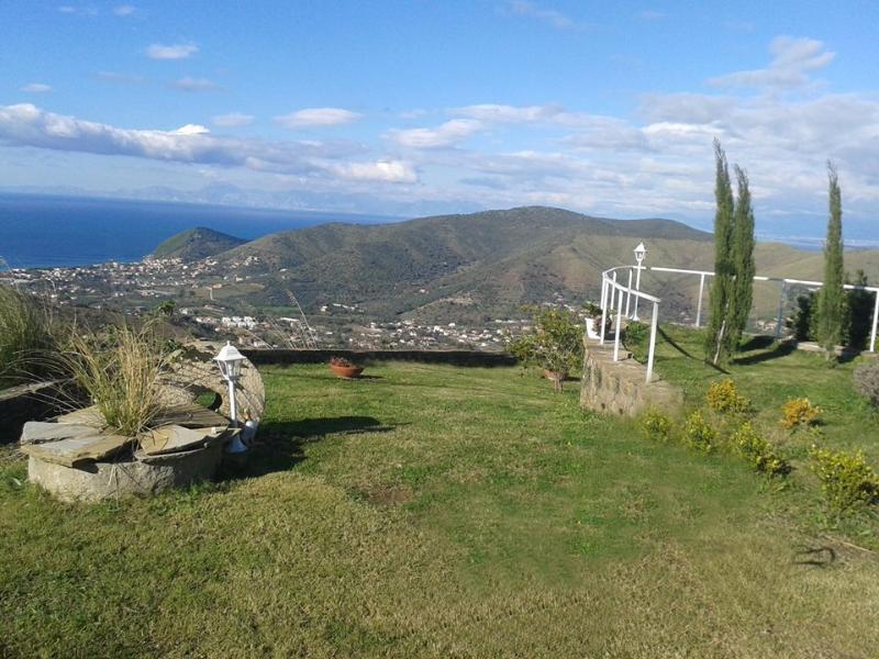 Castellabate Casa Relax con stupenda vista mare, vacation rental in Castellabate