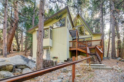 2 Brooks A-Frame - Walk To Town, vacation rental in Idyllwild