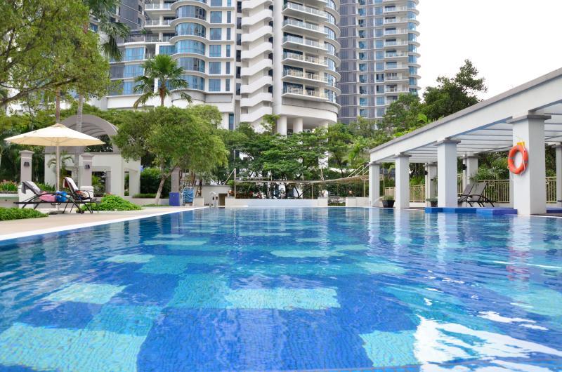 Resort Living in Mont Kiara, vacation rental in Batu Caves