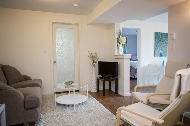 Adorable, Modern Suite in a Quiet Neighborhood, holiday rental in Nelson