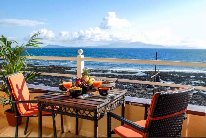 Terrace overlooking the island of Lanzarote and Lobos-Terrace overlooking Lanzarote and Lobos islet