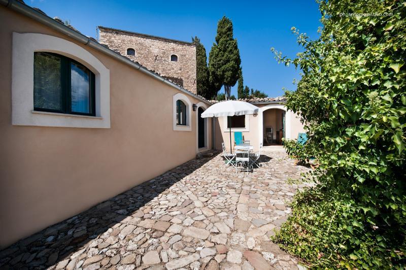 Masseria San Giovanni Sgadari 'Conigliera B', vacation rental in Petralia Soprana