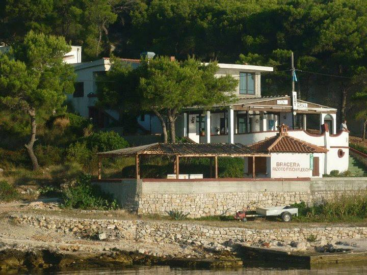 Restaurant Bracera - excellent food with a beautifull view on Dalmatian cost and island
